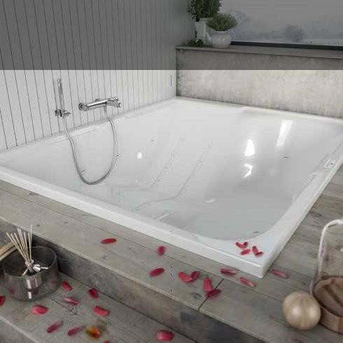 banos10 rechteckbadewanne iman 190x155 doppelbadewanne verschiedene massagesyteme. Black Bedroom Furniture Sets. Home Design Ideas