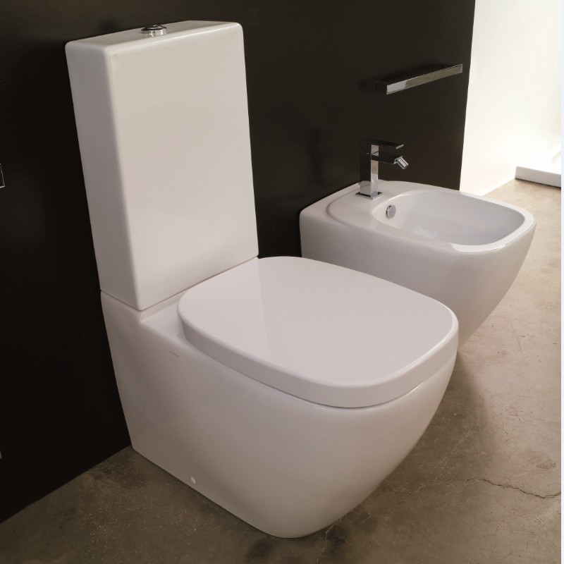 hidra ceramica stand wc mit sp lkasten undmit wc sitz. Black Bedroom Furniture Sets. Home Design Ideas