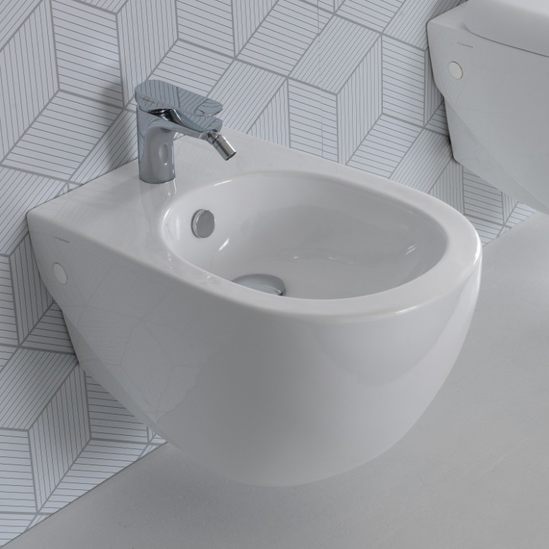 hidra ceramica bidet zur wandmontage mit hahnloch abc. Black Bedroom Furniture Sets. Home Design Ideas