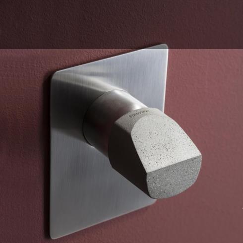 Unterputzmischer Haptic | nickel gebürstet | Griff aus Beton (Variante Capsule | Design: Simone Micheli)