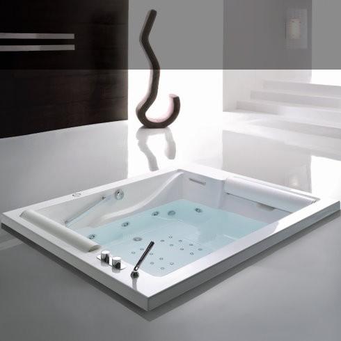 Badewanne BIS 190x150 | Optionales Zubehör: Wannenrandarmatur, Wassereinlauf, Whirlpool/Airpoolsystem TOC