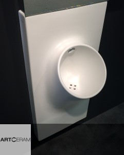 Urinal UP | weiß |Präsentation Cersaie