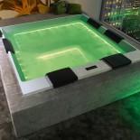 Badepool Wave | 235x235 | mit Ghost-System und Beleuchtung