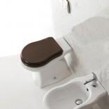 Axa Stand-WC Contea | mit WC-Sitz aus dunklem Holz