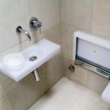 Hamam Waschbecken Mini mit Wasserschale | Kunstharz weiß | (Armatur: Serie Nostromo)